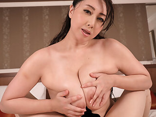 Yumi Kazama in Yumi Kazama I'm Just a Common Guy Who Won a Crusade -off a JAV Star Part 3 - WAAPVR