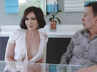 Number one wife Yasmin Scott drops on her knees for a large dick