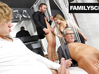 Family visits a Swingers Club for the First Epoch