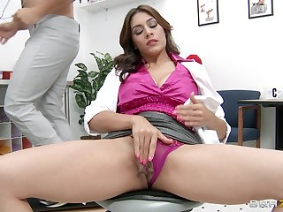 Big detect destroys pussy together with tight ass of mature pornstar Raylene