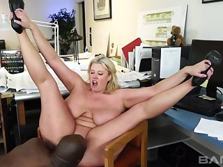 Stacked Blond Hair Babe Zoey Andrews XXX video
